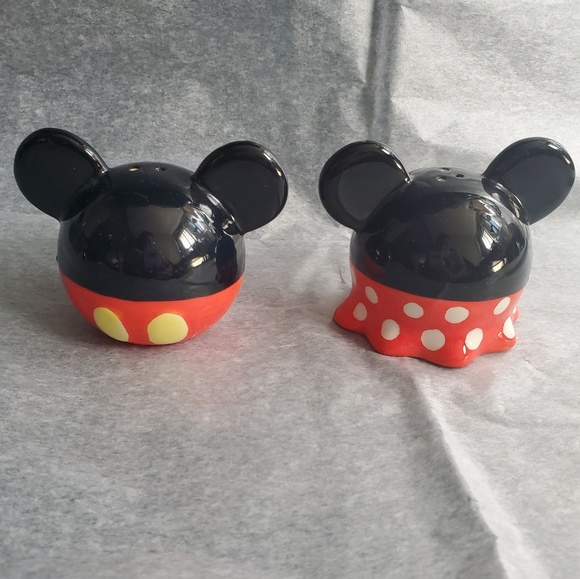 Disney Mickey and Minnie Mouse Salt /& Pepper Shaker Set
